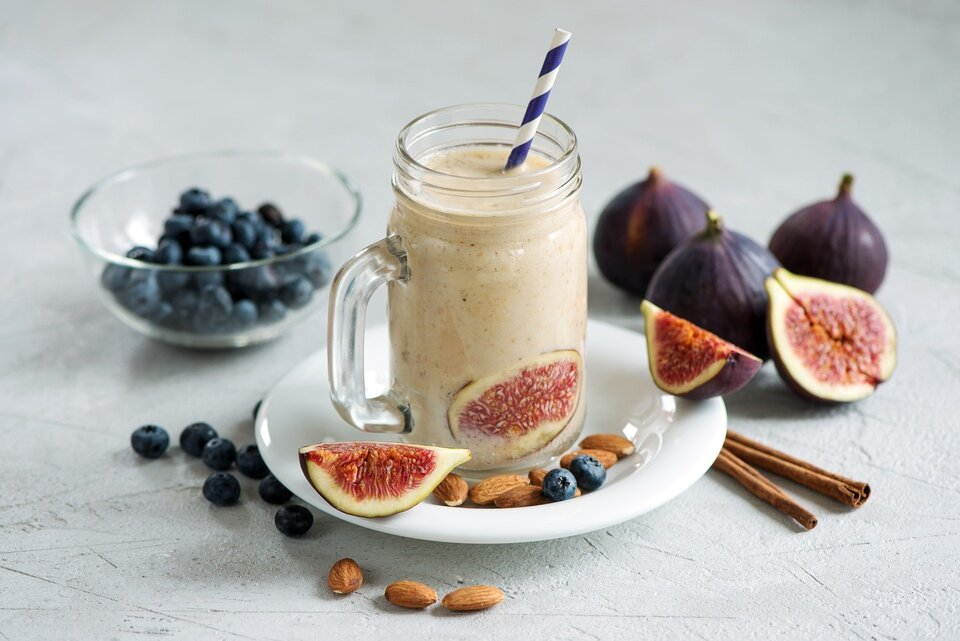 How many protein shakes per day is healthy